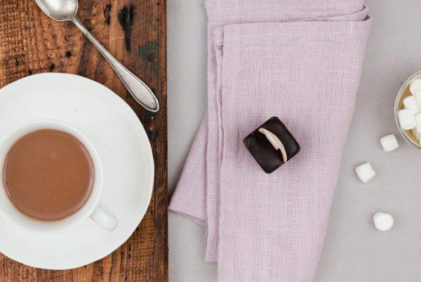 Bitterschokolade Heiße Schokolade am Stiel Trinkschokolade Holzlöffel