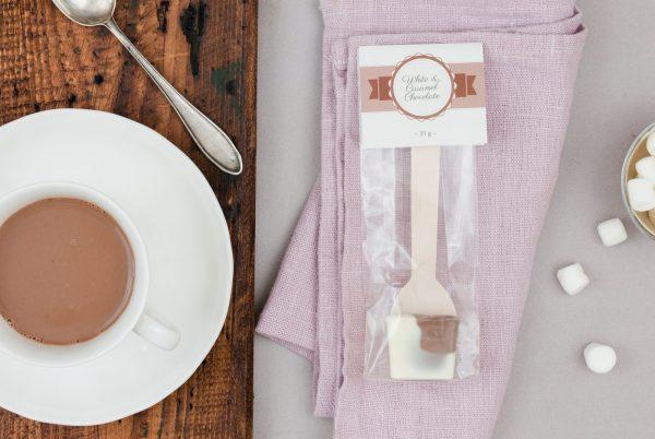 Weiße Kuvertüre Karamellkuvertüre Trinkschokolade Löffel