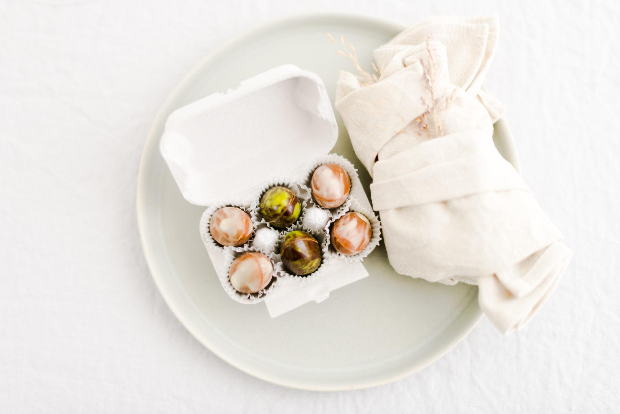 Osterei Pralinen im Eierkarton Schokoladenmanufaktur